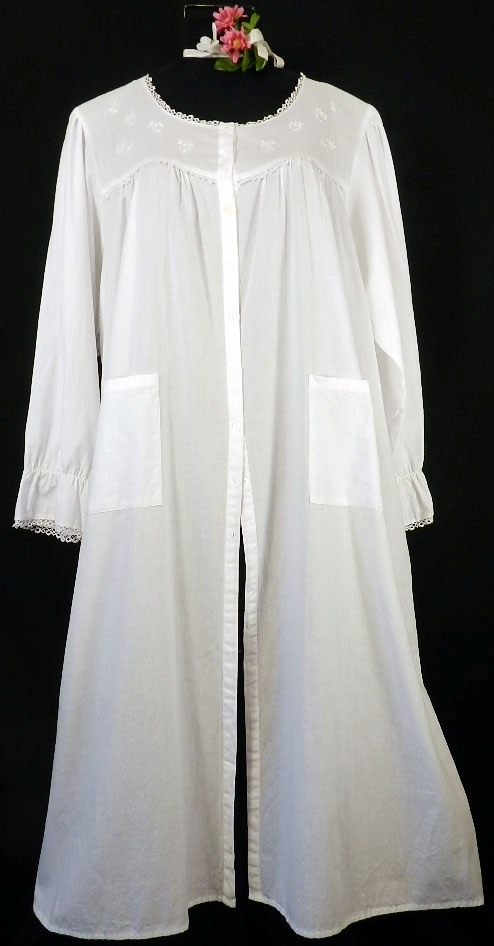 039 Button-Front Robe